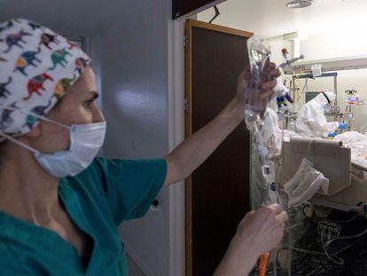 Unidad de cuidados intensivos (UCI) del Hospital Morales Meseguer de Murcia, este sábado.