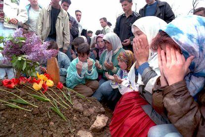 Entierro de Amel Hodzic, en Sarajevo en 1995.