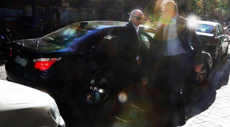 Llegada del expresidente del BBVA, Francisco González, a su despacho particular de Madrid en junio de 2019.