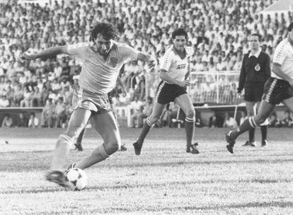 Mágico González, durante un partido con el Cádiz. / AS