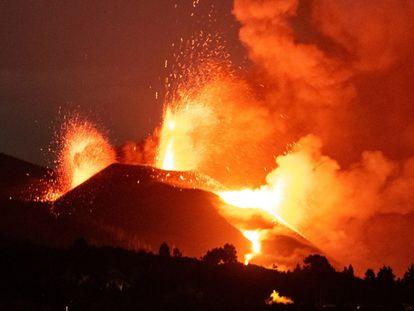 Erupción del volcán de Cumbre Vieja, este martes.