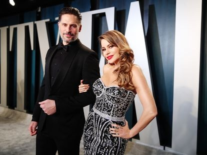 BEVERLY HILLS, CALIFORNIA - FEBRUARY 09: (L-R) Joe Manganiello and Sofía Vergara attend the 2020 Vanity Fair Oscar Party hosted by Radhika Jones at Wallis Annenberg Center for the Performing Arts on February 09, 2020 in Beverly Hills, California. (Photo by Rich Fury/VF20/Getty Images for Vanity Fair)