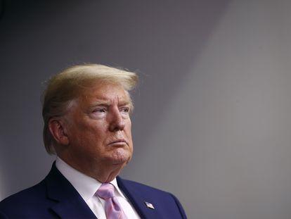 Donald Trump, durante el 'briefing' de la Casa Blanca el domingo 4 de abril.
