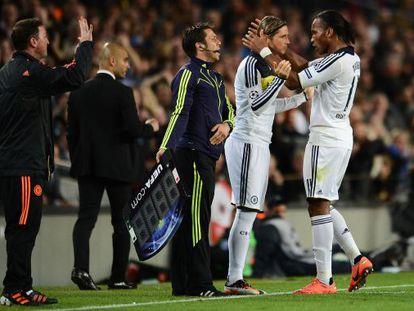 Torres sustituye a Drogba en el Camp Nou.