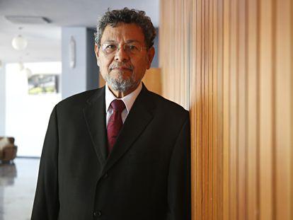 El escritor Elmer Mendoza, en una imagen de 2021