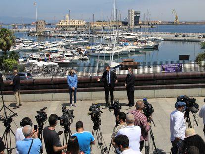 El presidente nacional del PP, Pablo Casado, durante la visita a Ceuta, este jueves.