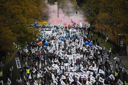 Protesta de policías, ayer en Madrid.