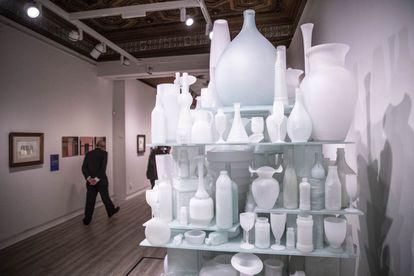 El trabajo de Morandi dialoga con las obras de artistas contemporáneos que encontraros en sus bodegones inspiración.