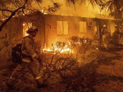 La sequía, los vientos, el miedo y la mala suerte hicieron del incendio de Paradise una trampa mortal