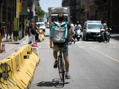 """Los """"riders"""" han denunciado ante la Inspección de Trabajo a Deliveroo."""