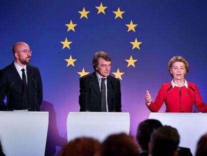 Charles Michel, Ursula von der Leyen y David Sassoli, en el Parlamento Europeo.