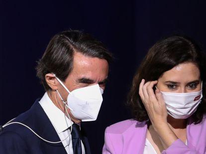 José María Aznar, junto a Isabel Díaz Ayuso, en un acto público el pasado 25 de junio, en Madrid.