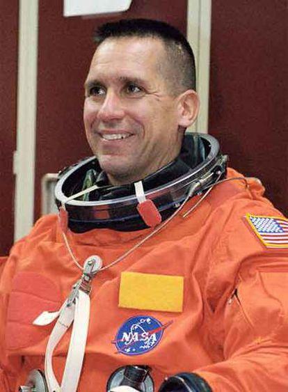 William Oefelein, piloto de la Marina que integró la tripulación del <i>Discovery</i> en una misión a la Estación Espacial Internacional en diciembre del año pasado. Oefelein y Nowak nunca han coincidido en la misma misión, según la NASA.