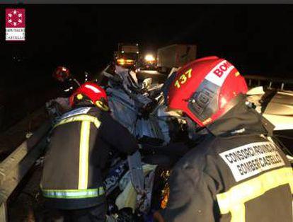 La dotación del CPBC en el lugar del accidente. / Imagen del CPBC