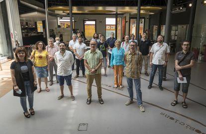 En la sede de Acció Cultural, en Valencia,  representantes de las entidades, sindicatos y partidos que defienden el uso administrativo del valenciano.