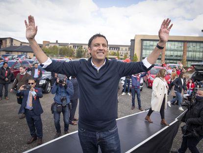 El candidato laborista a ministro principal de Escocia, Anas Sarwar, este miércoles en un acto de campaña en Glasgow.
