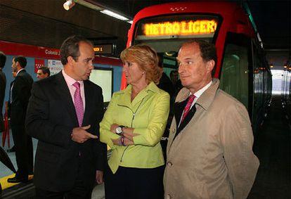 Arturo González Panero (izquierda), Esperanza Aguirre y Jesús Sepúlveda en una imagen de archivo.