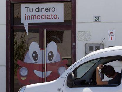 Car Puerto Banús, conocida como Crédito por tu coche, la empresa de Málaga denunciada.