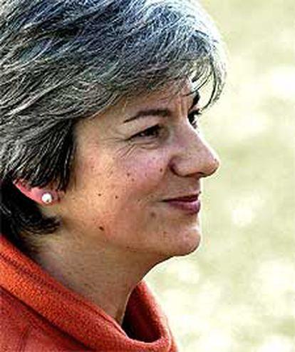 Dolores Vázquez, tras abandonar la prisión, en febrero de 2002.