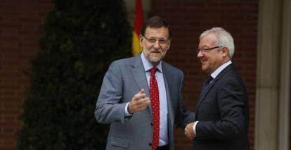 Mariano Rajoy y Ramón Luis Valcárcel, en Madrid, en 2013.
