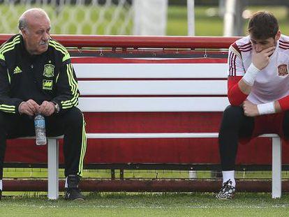 Del Bosque y Casillas, durante un entrenamiento en el Mundial de Brasil.