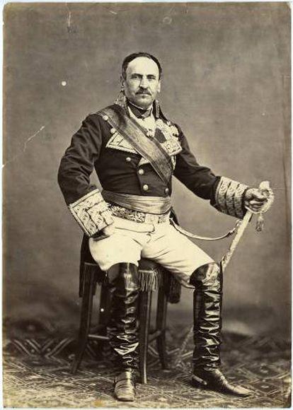 El general Espartero vestido como duque de la Victoria (hacia 1865).