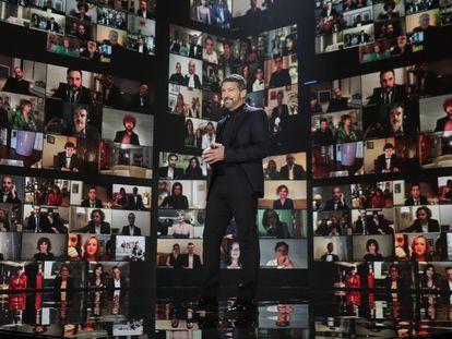 Antonio Banderas abre la gala de los Premios Goya 2021.