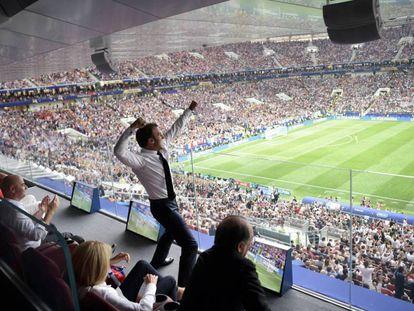 Emmanuel Macron festeja el triunfo de Francia en el Mundial de Rusia 2018.