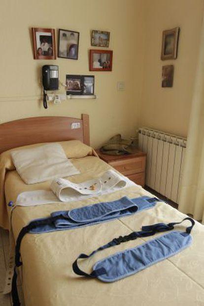 Cinturones de contención en una residencia de Barcelona.