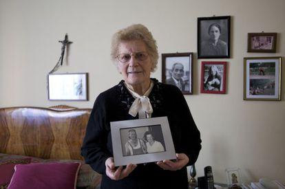 Romana Blasotti, de 83 años, lidera a las viudas del amianto de Casale Monferrato.