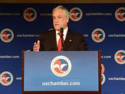 """Imagen cedida por Presidencia de Chile del presidente de Chile, Sebastian Piñera, habla este 3 de junio, en la conferencia """"Competitividad chilena en el siglo XXI: Un camino de desarrollo y crecimiento económico"""", ante la Cámara de Comercio de Estados Unidos, en Washington."""