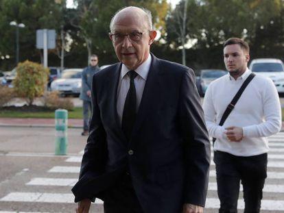 El exministro de Hacienda, Cristobal Montoro. En vídeo, el PP de Casado solo mantiene 10 de los 52 cabezas de lista de Rajoy en las elecciones generales.