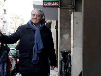 El cuñado de Rita Barberá, José María Corbín, este martes cuando fue conducido por la UCO al registro de su bufete.