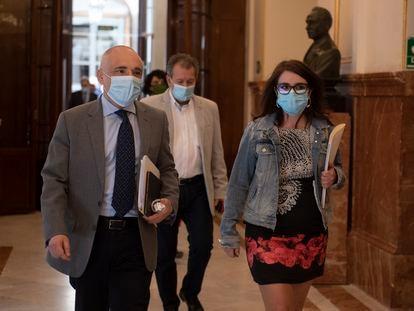 La portavoz del PSOE en el Congreso de los Diputados, Adriana Lastra; y el Secretario general del Grupo Socialista en el Congreso, Rafael Simancas.