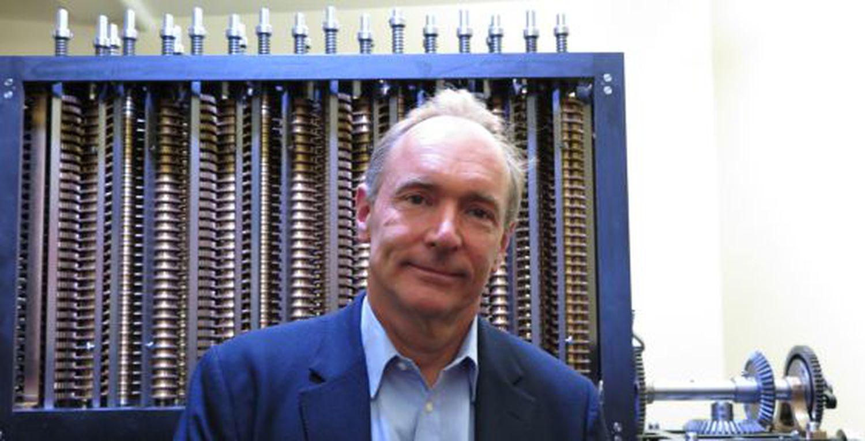 Tim Berners-Lee, creador de la World Wide Web, en el Museo de la Historia de la Informática, en Silicon Valley, en 2019.