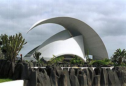 Vista exterior del Auditorio de Santa Cruz de Tenerife.