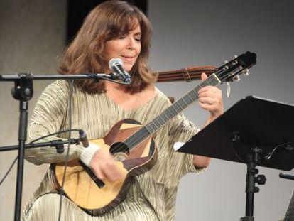 Actuación de María del Mar Bonet en el festival Serenates el 23 de junio.