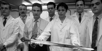 En 1998 un equipo de científicos de la Facultad de Químicas de la Universidad Complutense estudió la Tizona, según la tradición de Rodrigo Díaz de Vivar, el Cid Campeador, y determinó que se trataba de una pieza del siglo XI.