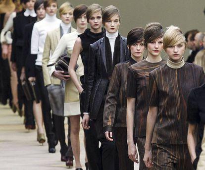 Desfile de la colección otoño-invierno 2012 de Phoebe Philo para Céline (en aquel entonces, con tilde)
