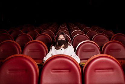 Irene Castro, de 23 años, acude casi todos los días al Cines Doré.