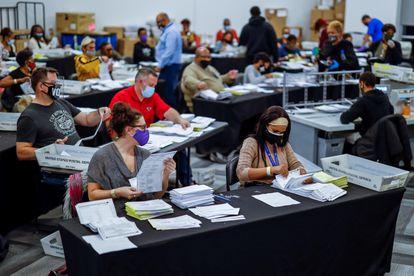 Recuento de votos en Atlanta (Estados Unidos), el pasado jueves.
