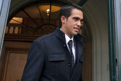 Alberto Contador, en Lausana, a la salida de la sede del Tribunal Arbitral del Deporte.