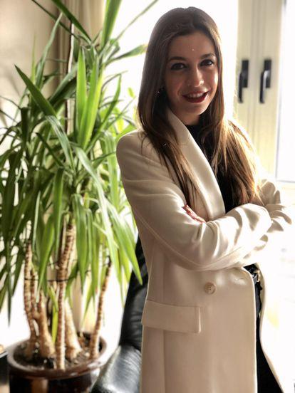 Lucía Feito Crespo, graduada en Psicología y especializada en Psicología General Sanitaria y Terapia familiar y de pareja Sistémica por la Universidad Pontificia de Comillas (Madrid).