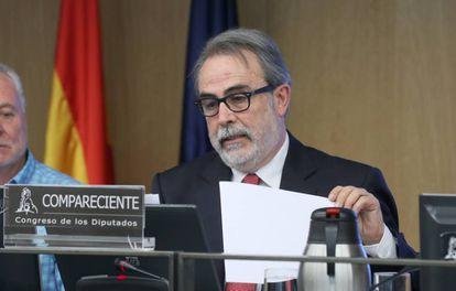 Carlos Utrera, presidente de la asociación de inspectores educativos Adide, durante su intervención en el Congreso.