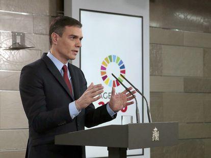 El presidente del Gobierno, Pedro Sánchez, anunciando que se decreta el estado de alarma.