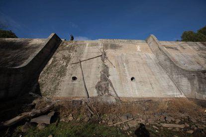 Imagen de la presa abandonada de La Alberca (Cenicientos).