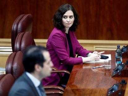 La presidenta de la Comunidad de Madrid, Isabel Díaz Ayuso, y su vicepresidente, Ignacio Aguado, el jueves en la Asamblea.