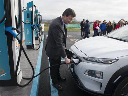 Punto de recarga ultrarrápida para vehículos eléctricos en Lopidana (Álava)