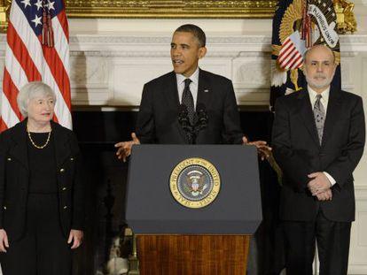 El presidente estadounidense, Barack Obama, con Janet Yellen y Ben Bernanke, actual presidente de la Fed