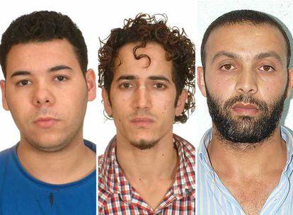 De izquierda a derecha, Mohamed Laksir, Mohamed Akazim y Moulay Lahoucine Miftah, detenidos ayer en Barcelona.